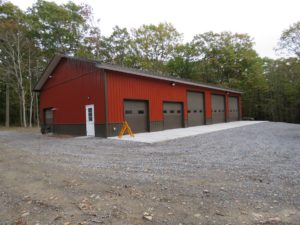 40x80x14 pole building with 2' overhangs, Barn Red siding, Burnished Slate roofing and trim_Bristol, NY (1)